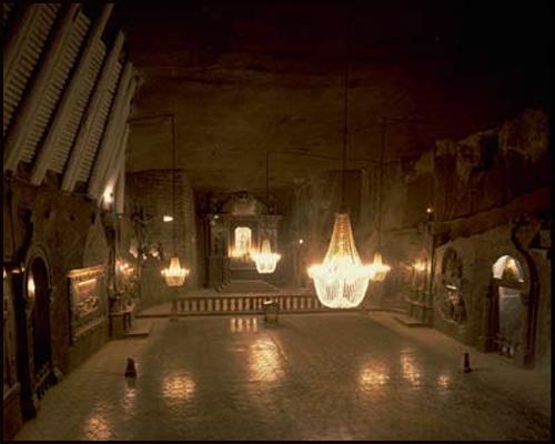 Le Hall de la Cour des Miracles Cdm_2-241b79d